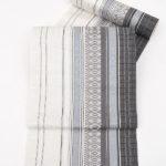 50代の紬や小紋におすすめ!本場筑前博多織モダンな8寸帯(白・グレー)が相場より安い